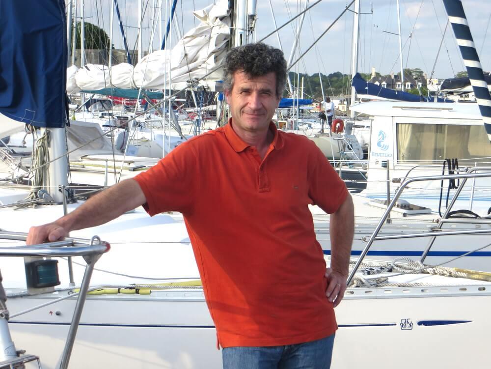 Nicoals skipper, préparateur de bateaux, en formation technico-commerciale
