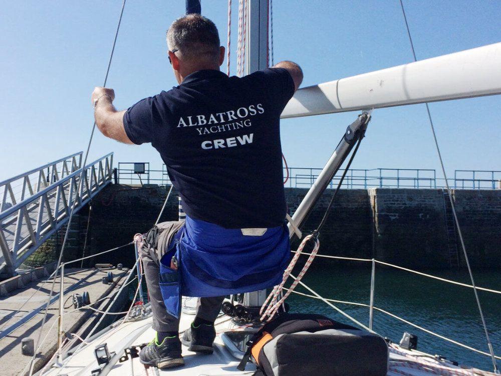 Formation pour les entreprises : l'INB s'internationalise et propose ses services au loueur grec Albatross Yachting